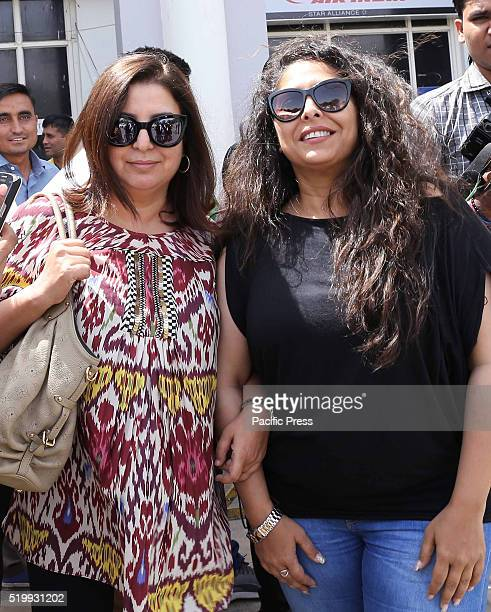 Choreographer Geeta Kapoor and Farah Khan come out from Jodhpur Airport on Saturday They arrive for shoot of upcoming movie Kung Fu Yoga The film is...