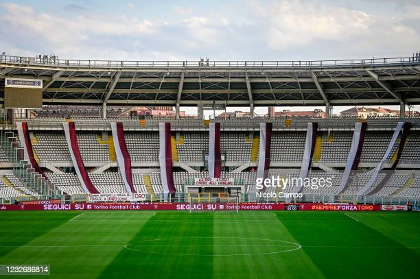 Choreography is displayed to honour the victims of the 4th May 1949 Superga air disaster prior to the Serie A football match between Torino FC and...