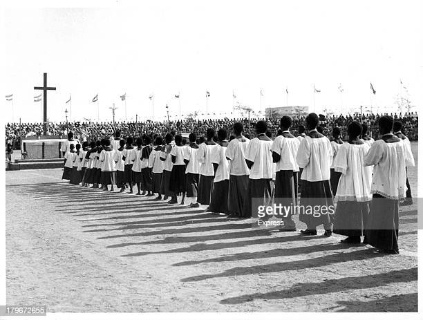 Choristers at the religious ceremony in Accra celebrate the independence of Ghana 3/6/1957