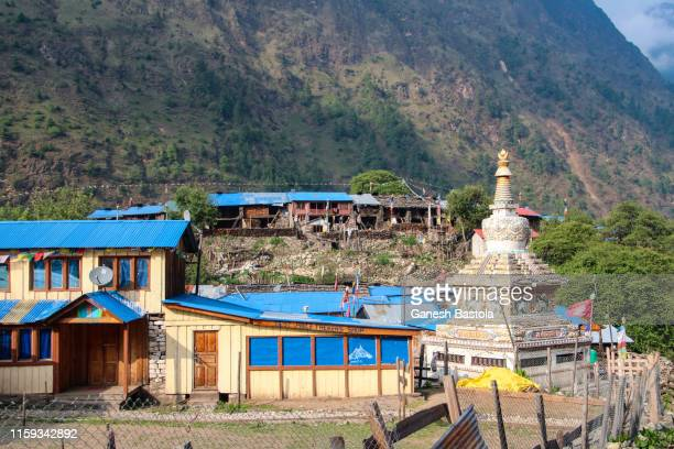 chorten of nepal - 仏陀の目 ストックフォトと画像