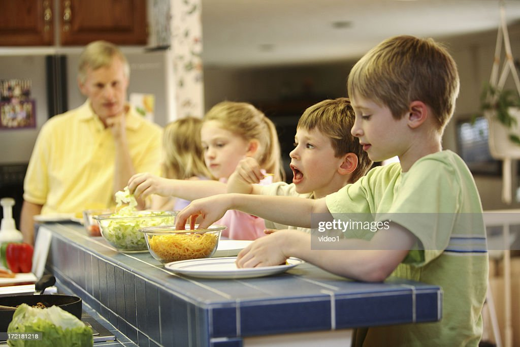 Chow time : Stock Photo