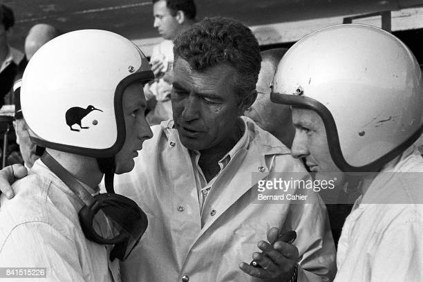 Chris Amon, Bruce McLaren, Carroll Shelby, 24 Hours of Le Mans, Le Mans, 19 June 1966. Carroll Shelby managed the victorious Ford Mk II of Bruce...