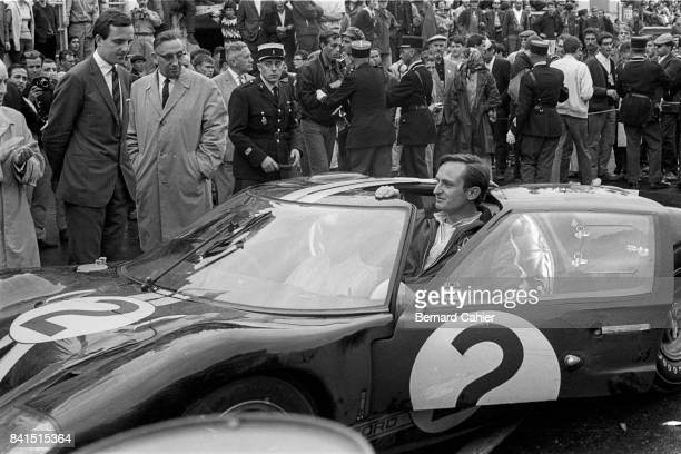 Chris Amon Bruce McLaren Ford Mk II 24 Hours of Le Mans Le Mans 19 June 1966 Chris Amonright after the finish of the 1966 Le Mans 24 Hours race
