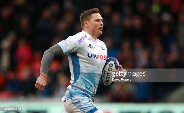 Chris Ashton of Sale Sharks breaks with the ball during the Heineken Champions Cup Round 2 match between Sale Sharks and La Rochelle at AJ Bell...