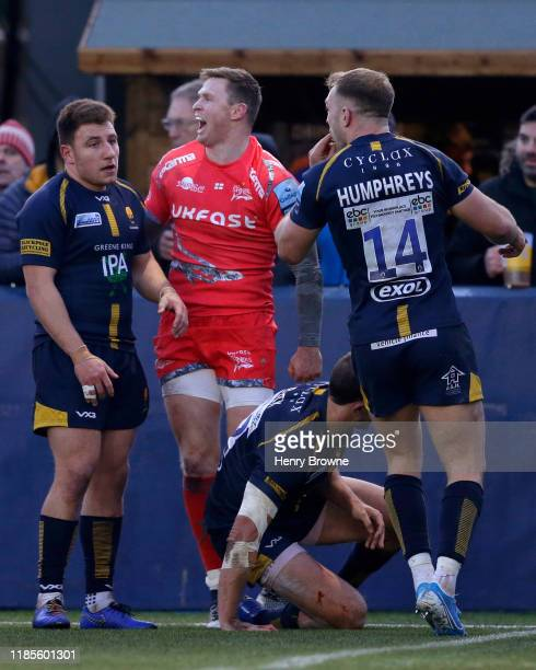 Chris Ashton of Sale Sharks celebrates scoring his side's second try during the Gallagher Premiership Rugby match between Worcester Warriors and Sale...
