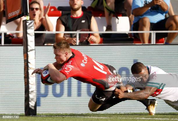 Chris Ashton of Toulon scores a try during the Top 14 match between RC Toulon and Pau at Felix Mayol Stadium on August 27 2017 in Toulon France