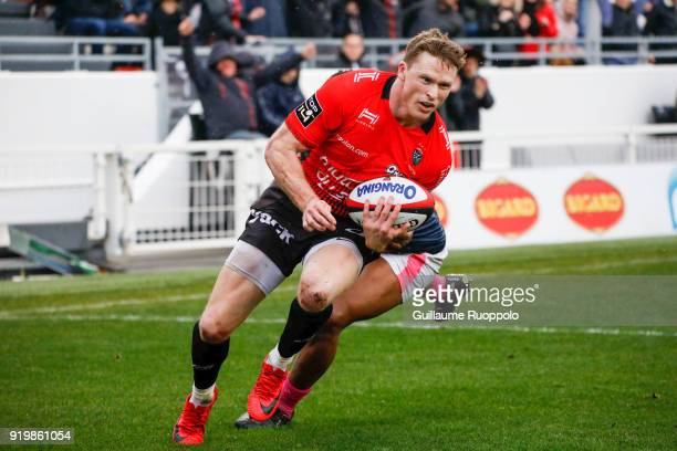 Chris Ashton of Toulon scores a try during the Top 14 match between Toulon and Stade Francais at Felix Mayol Stadium on February 17 2018 in Toulon...