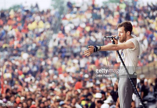 Chris Barron of the Spin Doctors on stage at Woodstock 94 in Saugerties, New York on August 14, 1994.