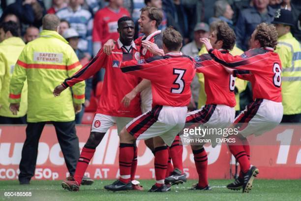Chris BartWilliams of Nottingham Forest celebrates with teammates Ian Woan Alan Rogers Andy Johnson and Scot Gemmill after scoring the winning goal
