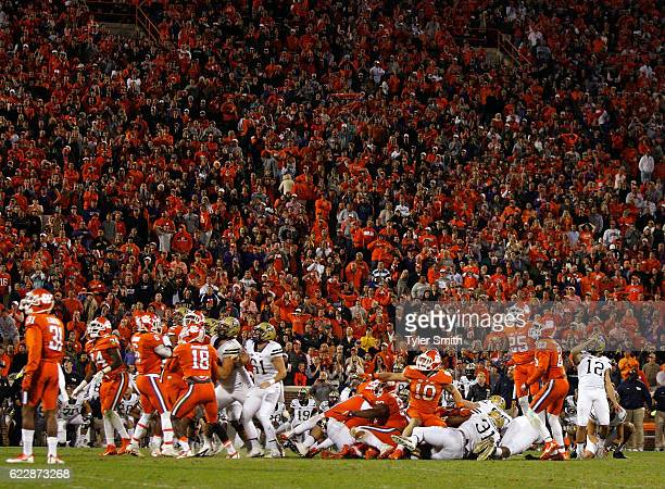 Chris Blewitt of the Pittsburgh Panthers watches his gamewinning field goal against the Clemson Tigers at Memorial Stadium on November 12 2016 in...