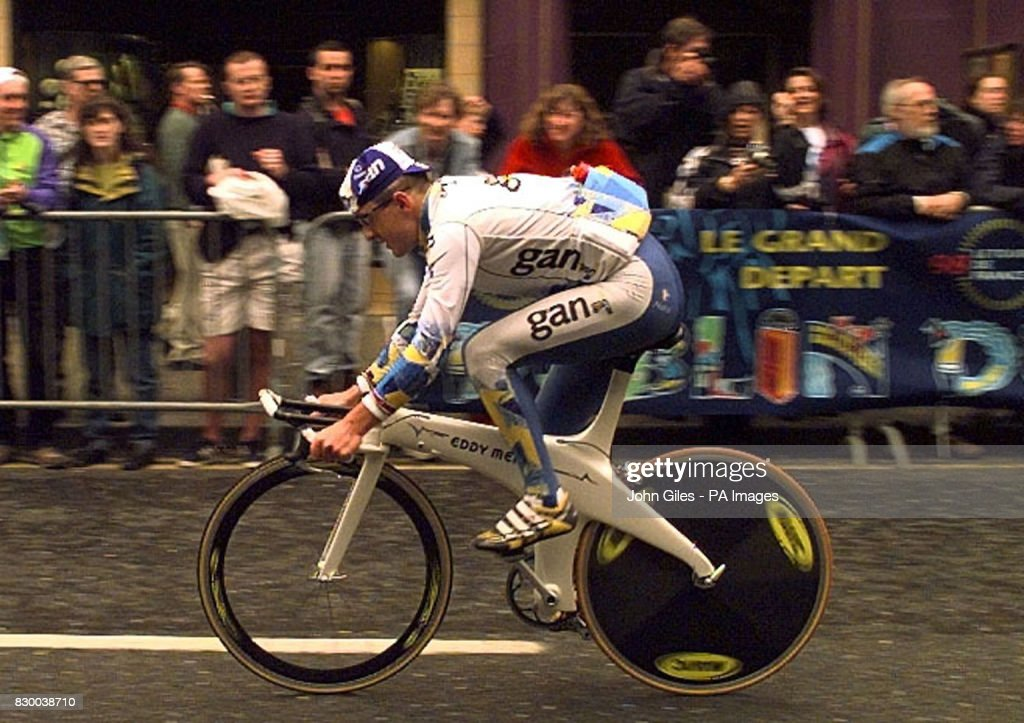 Chris Boardman of Great Britain rides the course of the Tour