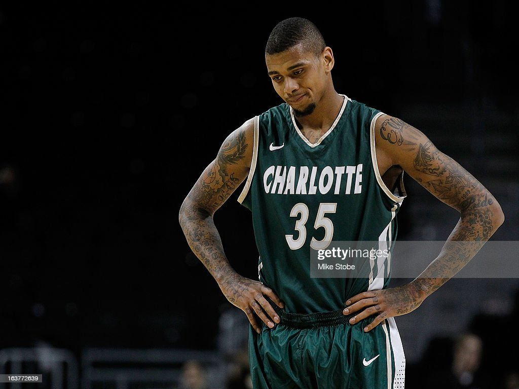 d41adb225b1 Chris Braswell of the Charlotte 49ers looks dejected during the game ...
