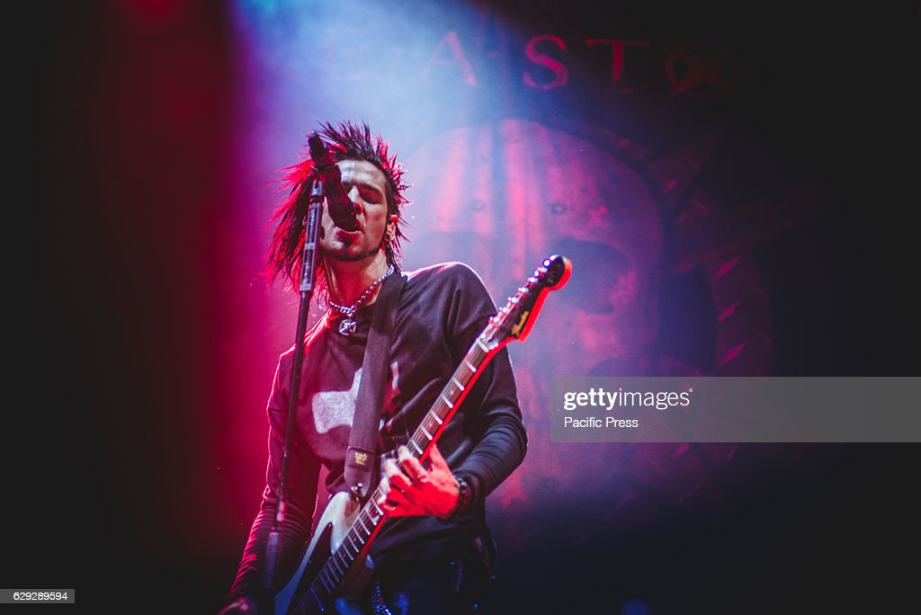 Chris Brooks of Like A Storm performing live at Unipol Arena... : Nachrichtenfoto