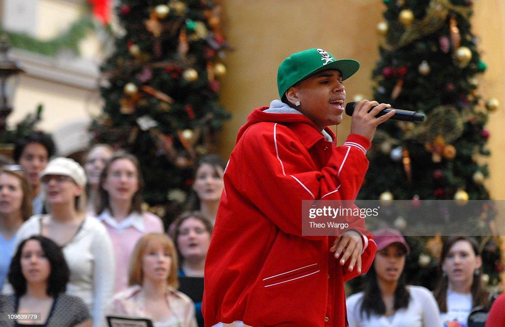 Chris Brown This Christmas.Chris Brown 12766 177 During Tnt S Christmas In Washington