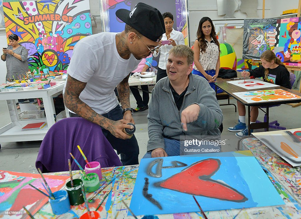 Chris Brown Joins Forces With Artist Romero Britto in Support of Best Buddies International : News Photo