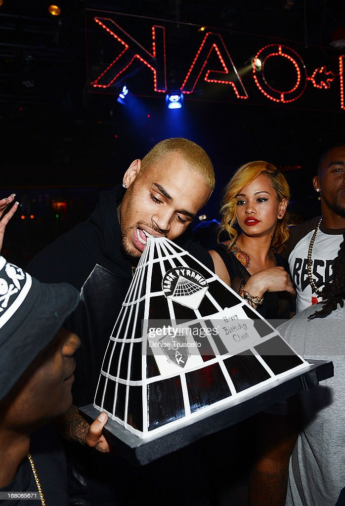 Chris Brown Celebrates His Birthday At 1OAK Nightclub At The Mirage : News Photo