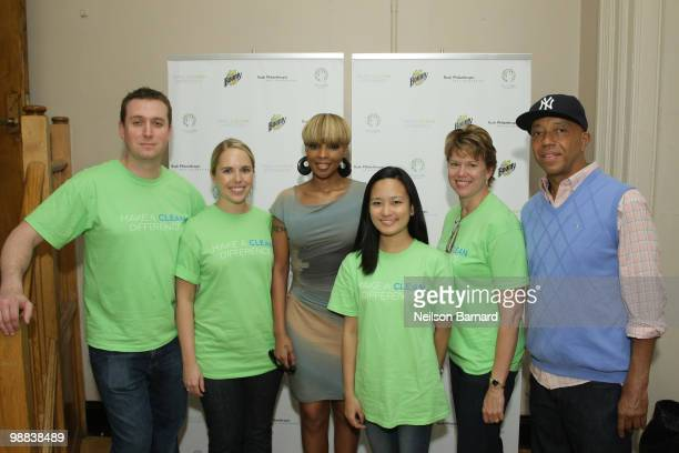 """Chris Brown, Laura Lewis, recording artist Mary J. Blige, Selena Perez, Lisa Jester and Russell Simmons attend the """"Clean Difference at New York City..."""