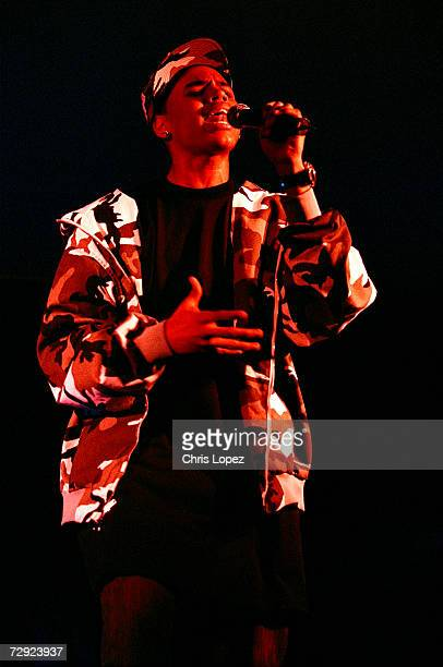 Chris Brown performing at his first London showcase Floriditta 16/11/05