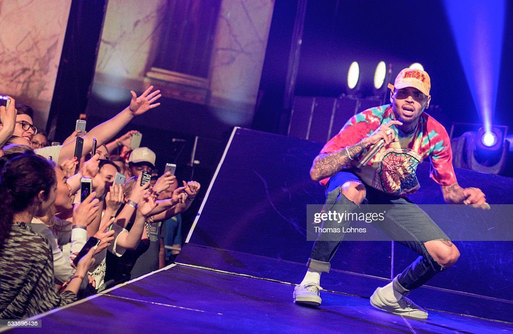 Chris Brown One Hell Of A Night Tour 2016
