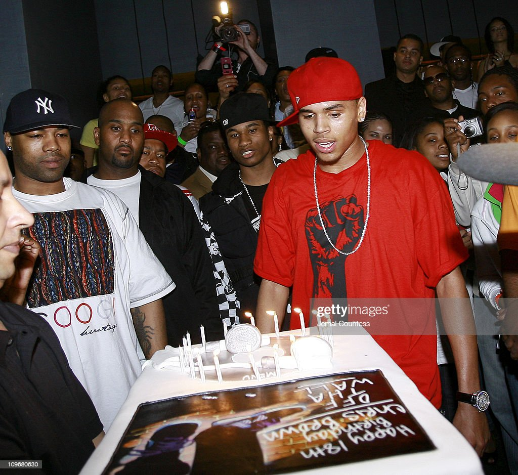 Wondrous Chris Brown Receives His Birthday Cake During Chris Brown 18Th Personalised Birthday Cards Paralily Jamesorg