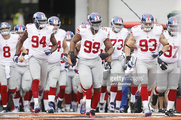 Chris Canty of the New York Giants takes the field for the game against the Cincinnati Bengals at Paul Brown Stadium on November 11 2012 in...
