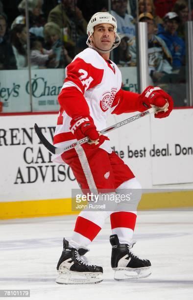 Chris Chelios of the Detroit Red Wings skates against the Nashville Predators on November 22, 2007 at the Sommet Center in Nashville, Tennessee.