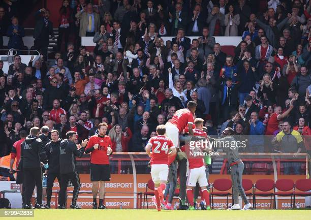Chris Cohen of Nottingham Forest celebrates scoring his sides second goal with his Nottingham Forest team mates during the Sky Bet Championship match...