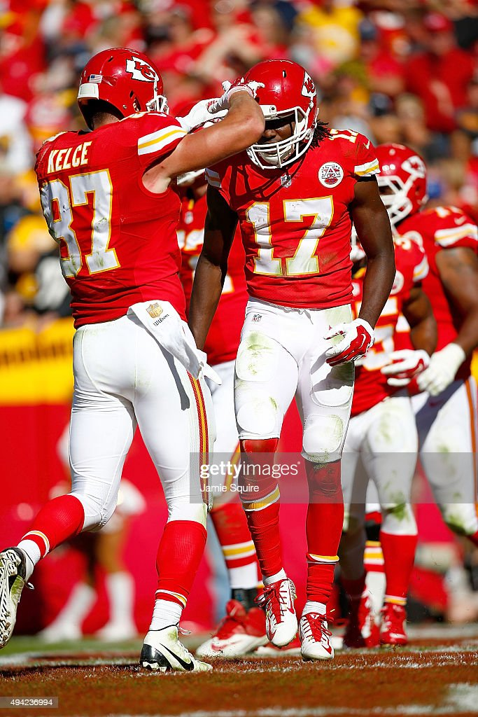 Chris Conley #17 of the Kansas City Chiefs celebrates a touchdown with Travis Kelce #87 of the Kansas City Chiefs at Arrowhead Stadium during the fourth quarter of the game against the Pittsburgh Steelers on October 25, 2015 in Kansas City, Missouri.