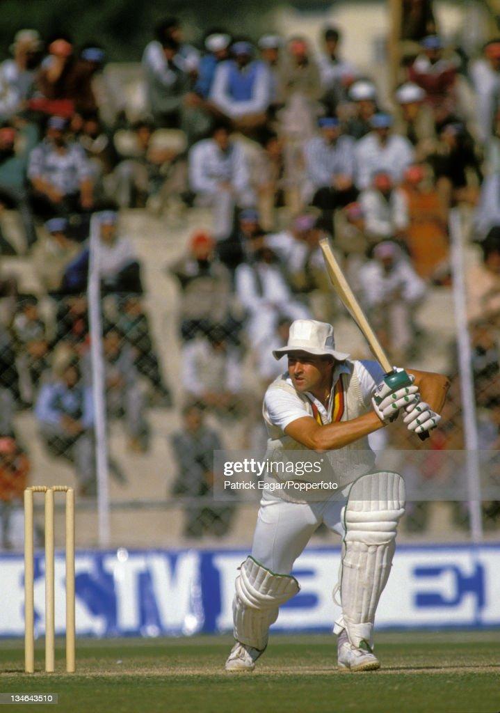 India v England, 2nd Test, Delhi, Dec 84 : News Photo