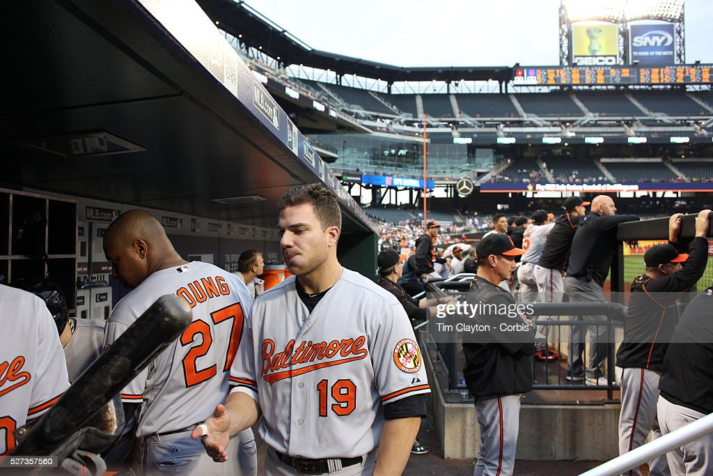 chris davis baltimore orioles in the dugout during the new york photo d 39 actualit getty. Black Bedroom Furniture Sets. Home Design Ideas