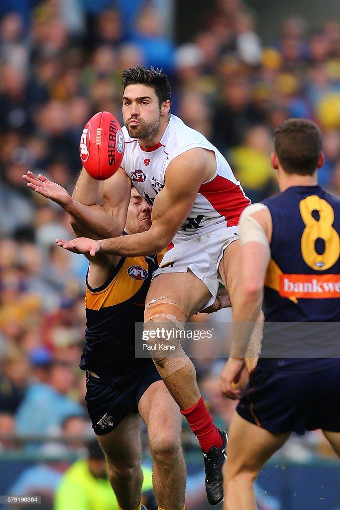 AFL Rd 18 - West Coast v Melbourne : News Photo