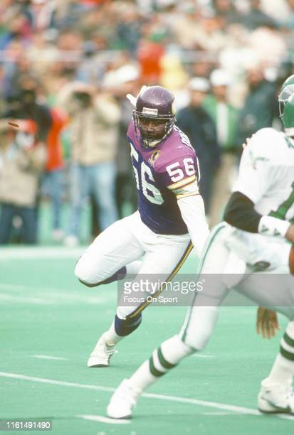 Chris Doleman of the Minnesota Vikings in action against the Philadelphia Eagles during an NFL football game November 19 1989 at Veterans Stadium in...