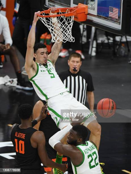 Chris Duarte of the Oregon Ducks dunks against the Oregon State Beavers during the Pac-12 Conference basketball tournament semifinals at T-Mobile...