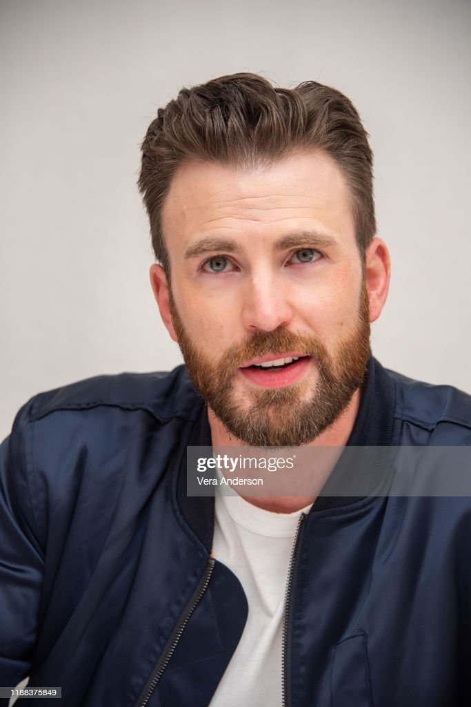 """""""Knives Out"""" Press Conference : News Photo"""