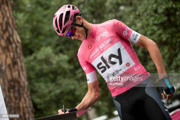 Chris Froome has won the Giro d'Italia for his third consecutive Grand Tour victory The fourtime Tour de France champion had no trouble protecting...
