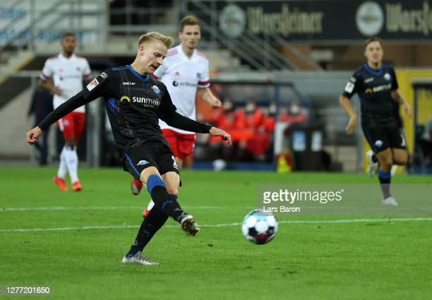Chris Fuhrich of SC Paderborn 07 scores his sides second goal during the Second Bundesliga match between SC Paderborn 07 and Hamburger SV at Benteler...