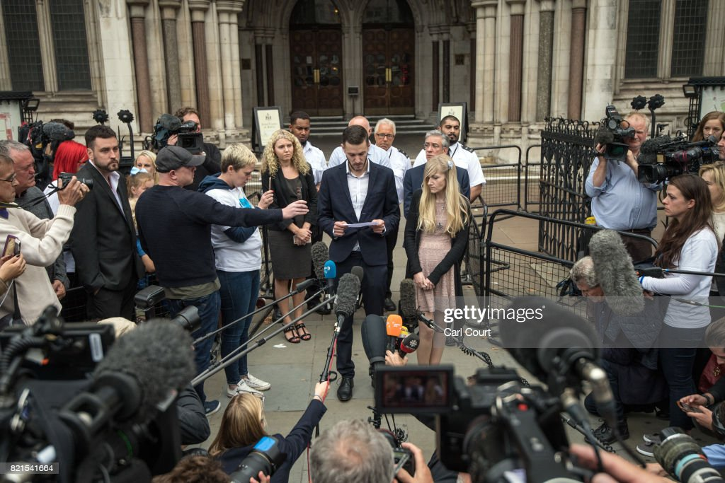 Chris Gard and Connie Yates, the parents of terminally ill baby Charlie Gard, speak to the media outside following their decision2 to end their legal challenge to take him to the U.S for experimental treatment, outside The Royal Courts of Justice on July 24, 2017 in London, England. The parents of terminally-ill baby Charlie Gard have ended their legal challenge after an American doctor said it was too late to give him nucleoside therapy.
