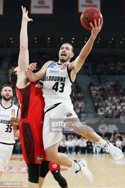 Chris Goulding of United drives hard to the basket during the round nine NBL match between the Melbourne United and the Perth Wildcats at Hisense...