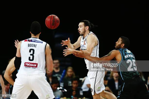 Chris Goulding of United with a no look pass to teammate Josh Boone during the round 18 NBL match between the New Zealand Breakers and Melbourne...