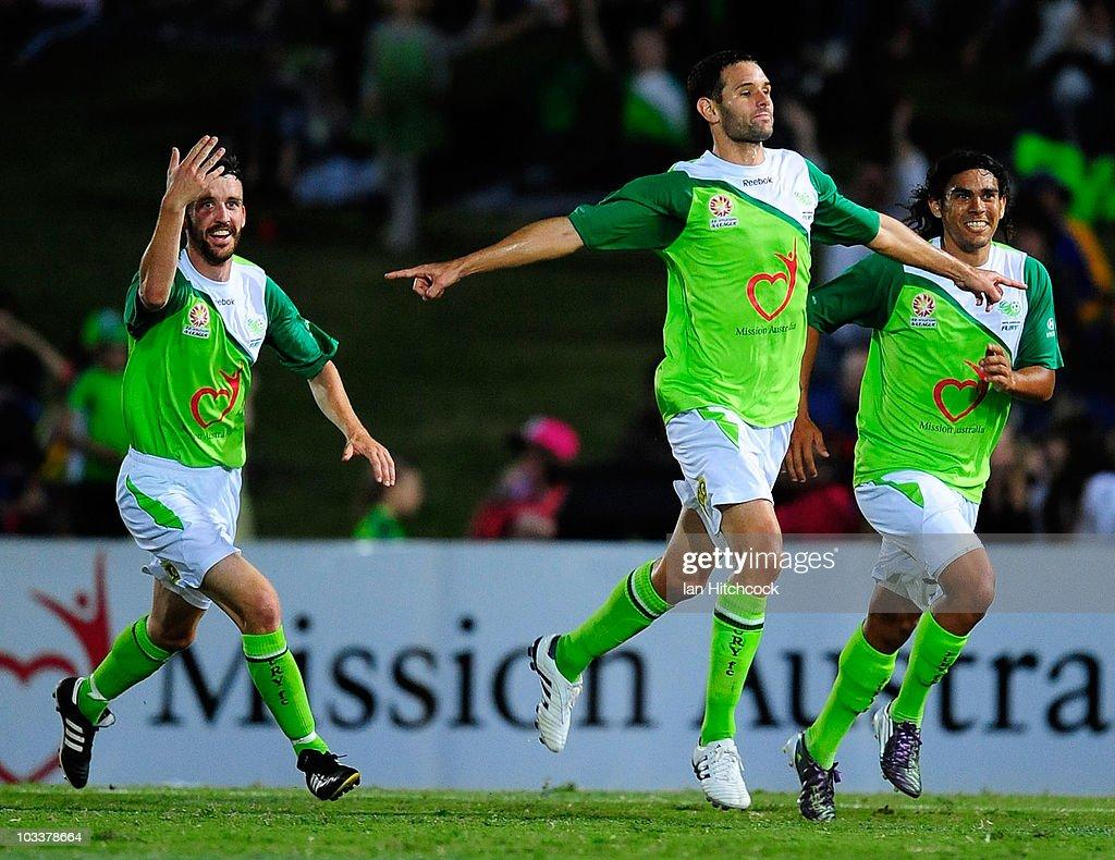 A-League Rd 2 - Fury v Sydney FC : News Photo