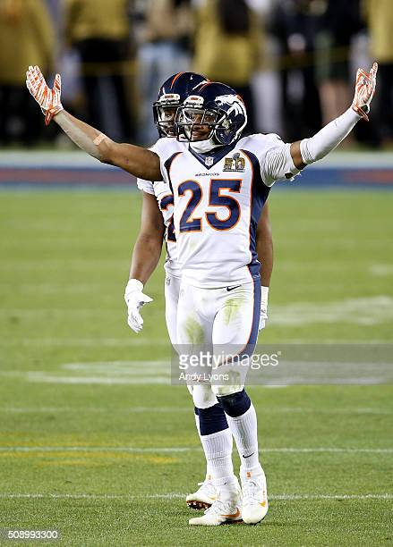 Chris Harris Jr #25 of the Denver Broncos celebrates at the end of Super Bowl 50 at Levi's Stadium on February 7 2016 in Santa Clara California The...