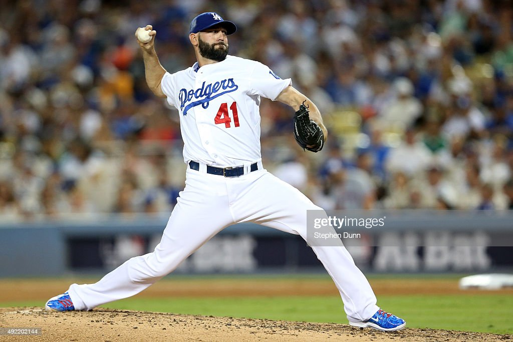 Division Series - New York Mets v Los Angeles Dodgers - Game Two : News Photo