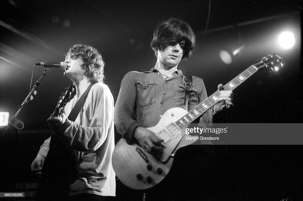Chris Helme and John Squire of The Seahorses perform on stage, Ireland, 1997.