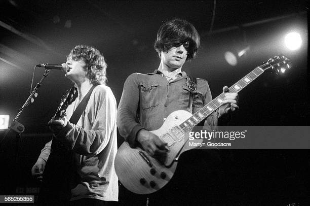 Chris Helme and John Squire of The Seahorses perform on stage Ireland 1997