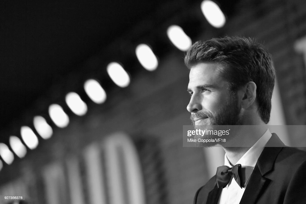 Chris Hemsworth attends the 2018 Vanity Fair Oscar Party hosted by Radhika Jones at Wallis Annenberg Center for the Performing Arts on March 4, 2018 in Beverly Hills, California.