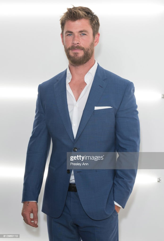 BOSS - Backstage/Front Row - NYFW: Men's July 2017 : News Photo