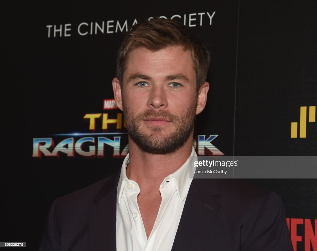 "The Cinema Society Hosts A Screening Of Marvel Studios' ""Thor: Ragnarok"" - Arrivals : Nachrichtenfoto"