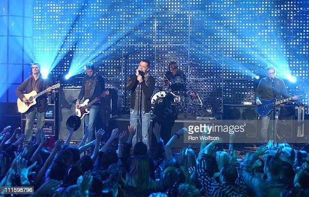 Chris Henderson Todd Harrell Brad Arnold Greg Upchurch and Matt Roberts of 3 Doors Down