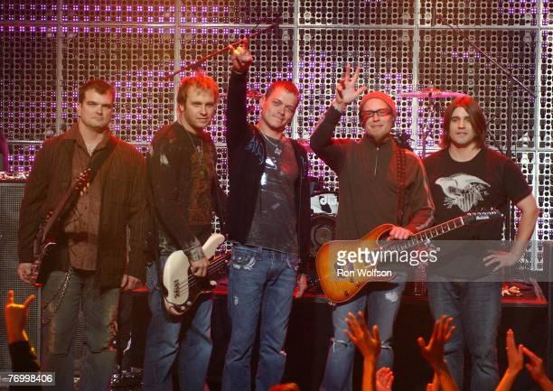 Chris Henderson Todd Harrell Brad Arnold Matt Roberts and Greg Upchurch of 3 Doors Down