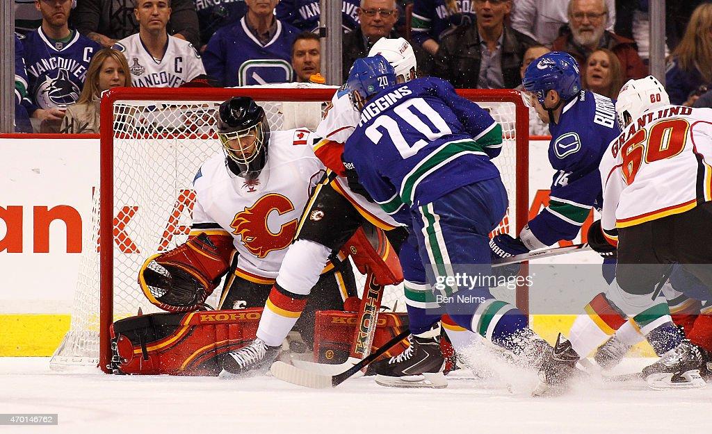 Calgary Flames v Vancouver Canucks - Game Two : News Photo